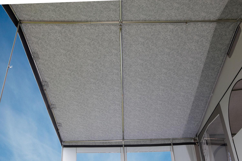 ... auch zusätzliche Dachstangen sind serienmäßg.